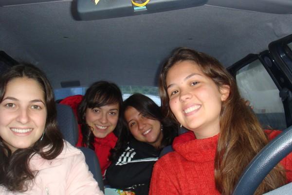 No carro: Nathalia Garcia, Natália Albertoni, Barbara Bayer e Natália Huvos