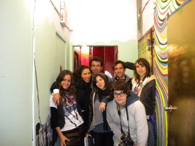 Equipe do Lugar Incomum na gravação do programa no Brooklyn
