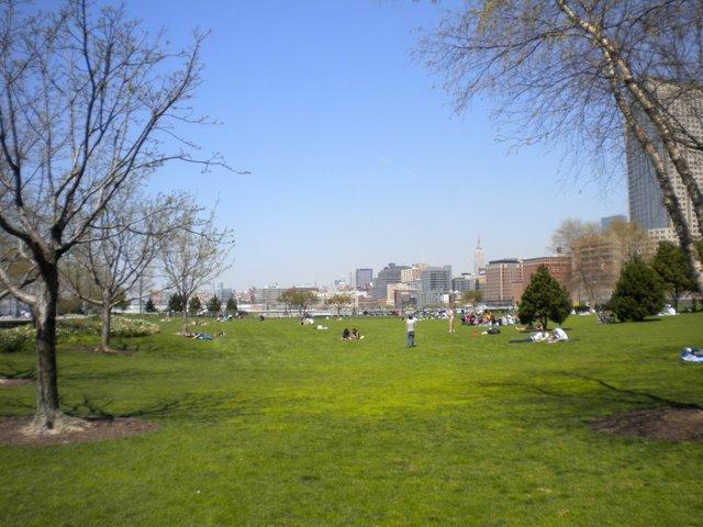 Um tranquilo parque em downtown, a parte mais frenética da cidade