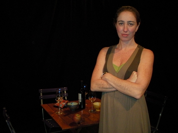 Renata transformou a sala de casa em palco