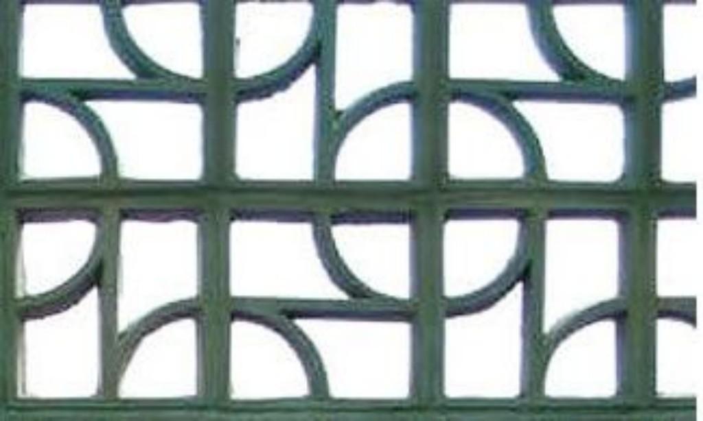 Em concreto modelo 4 furos (Legran - www.legran.com.br)