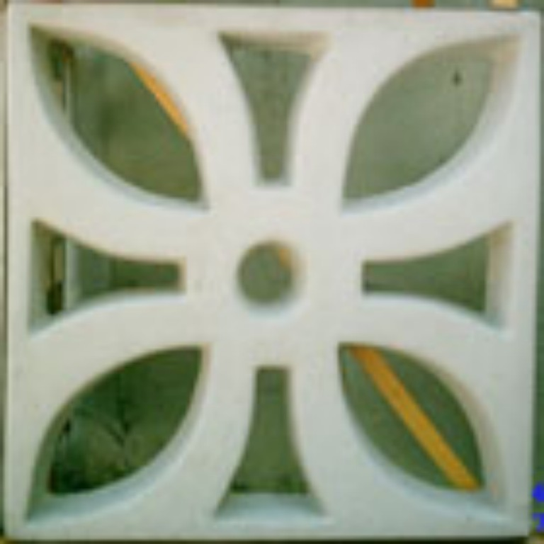 Em concreto modelo flor (Mosaicor - www.mosaicor.com.br)
