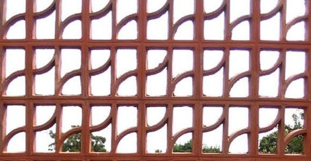 Em concreto o mesmo modelo 4 furos (Legran - www.legran.com.br)