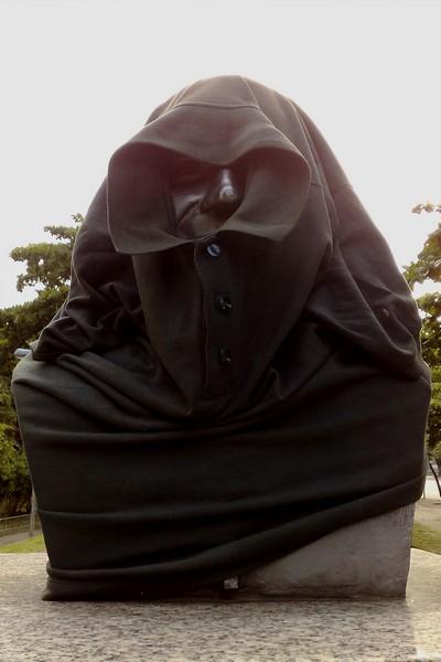 Estátua vestida