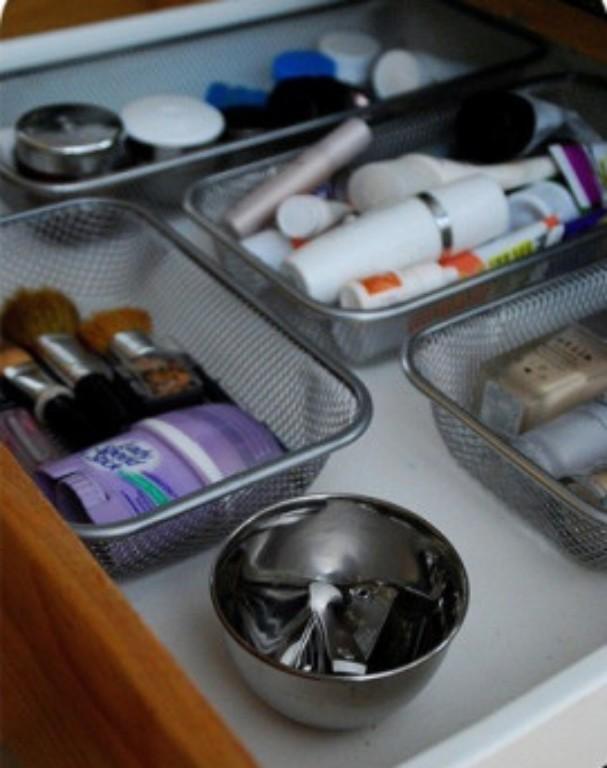 Caixinhas e potinhos de alumínio ou de plástico quebram o maior galho também. Imagem encontrada no site Mundo Blush