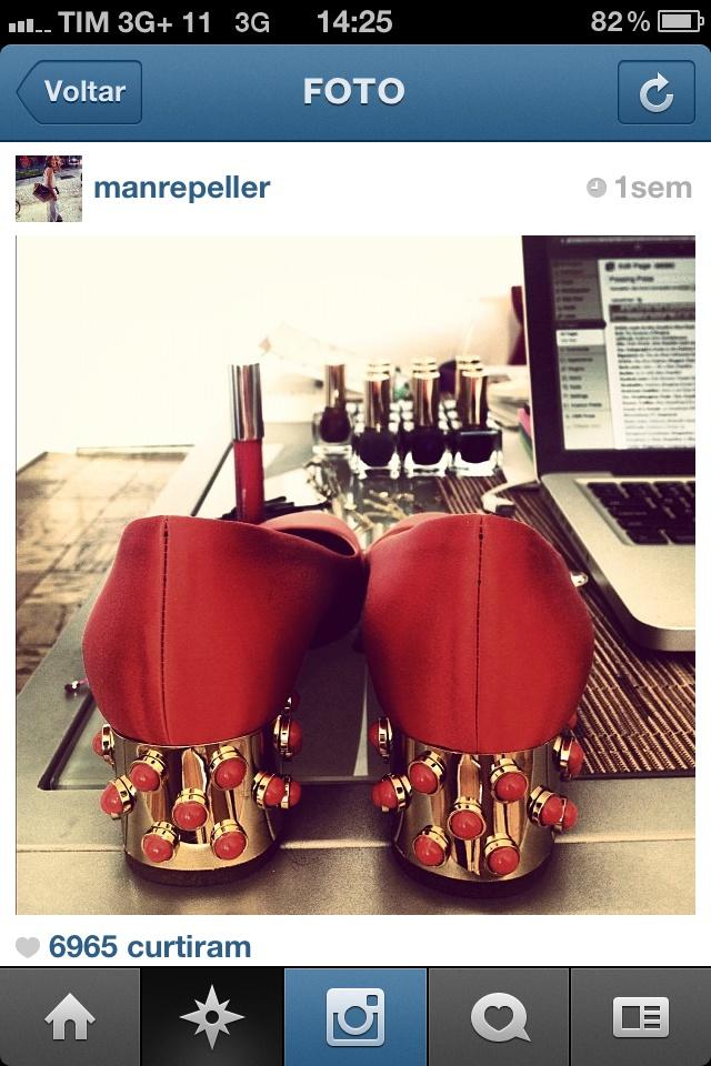 Mais uma imagem do perfil de @manrepeller