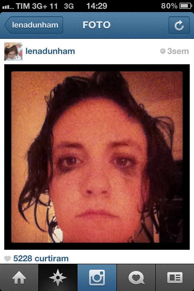 """@lenaduham: A criadora da maravilhosa """"Girls"""" instagrama aquilo que faz a gente amar o seriado: vida real. Mas com pitadas de bastidores de uma série de TV que conquista cada vez mais gente"""