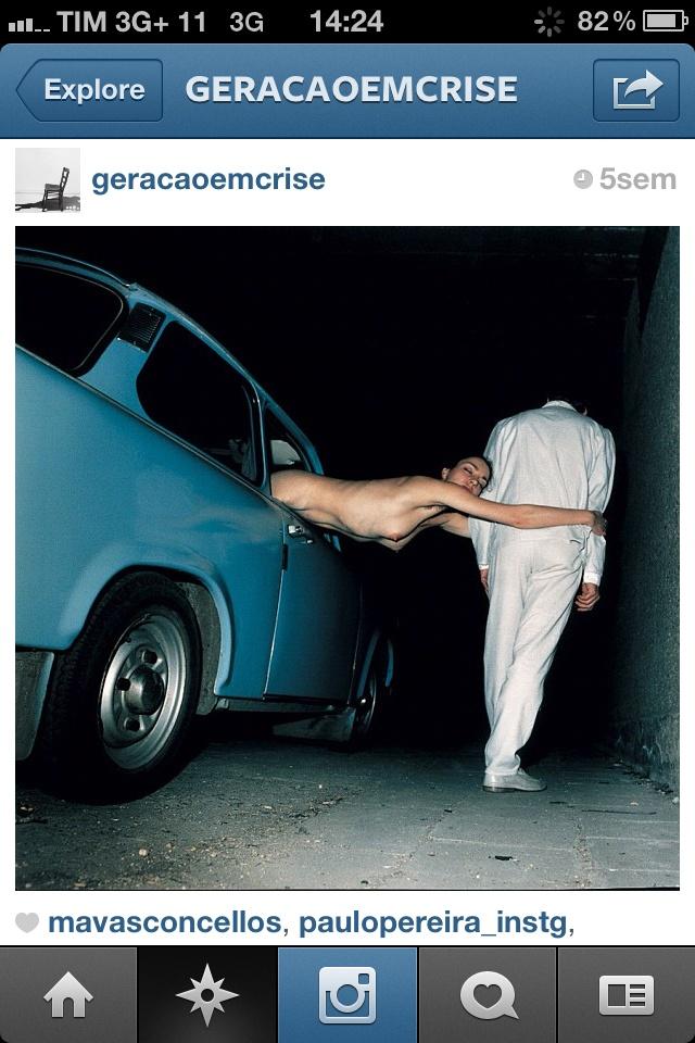 @geracaoemcrise: Fotos maravilhosas e frases contundentes compõem esse projeto da Diana Assennato. É ótimo pra pensar na vida, na internet, nas relações que a gente estabelece