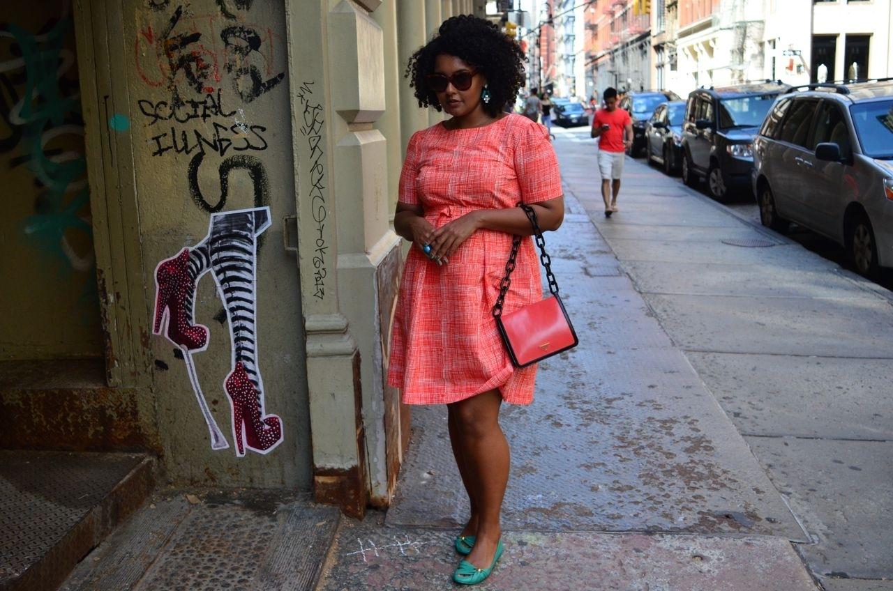 Saindo para almoçar e ir a uma reunião em Nova York. Vestido Jeager (Londres), sapatilha Maria Bonita Extra, bolsa Prada, óculos Celine, brinco Loren Hope (lorenhope.com), anel Fizpan