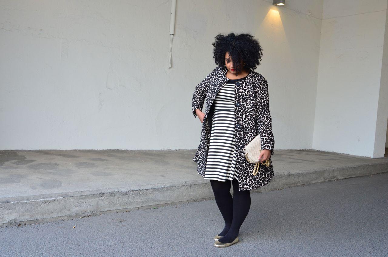 A caminho da festa de vernissage da Interfoto, em Oslo. Vestido Lindex, trench Lindex, meia Wolford, sapatilha Maria Bonita Extra, bolsa Chanel Vintage
