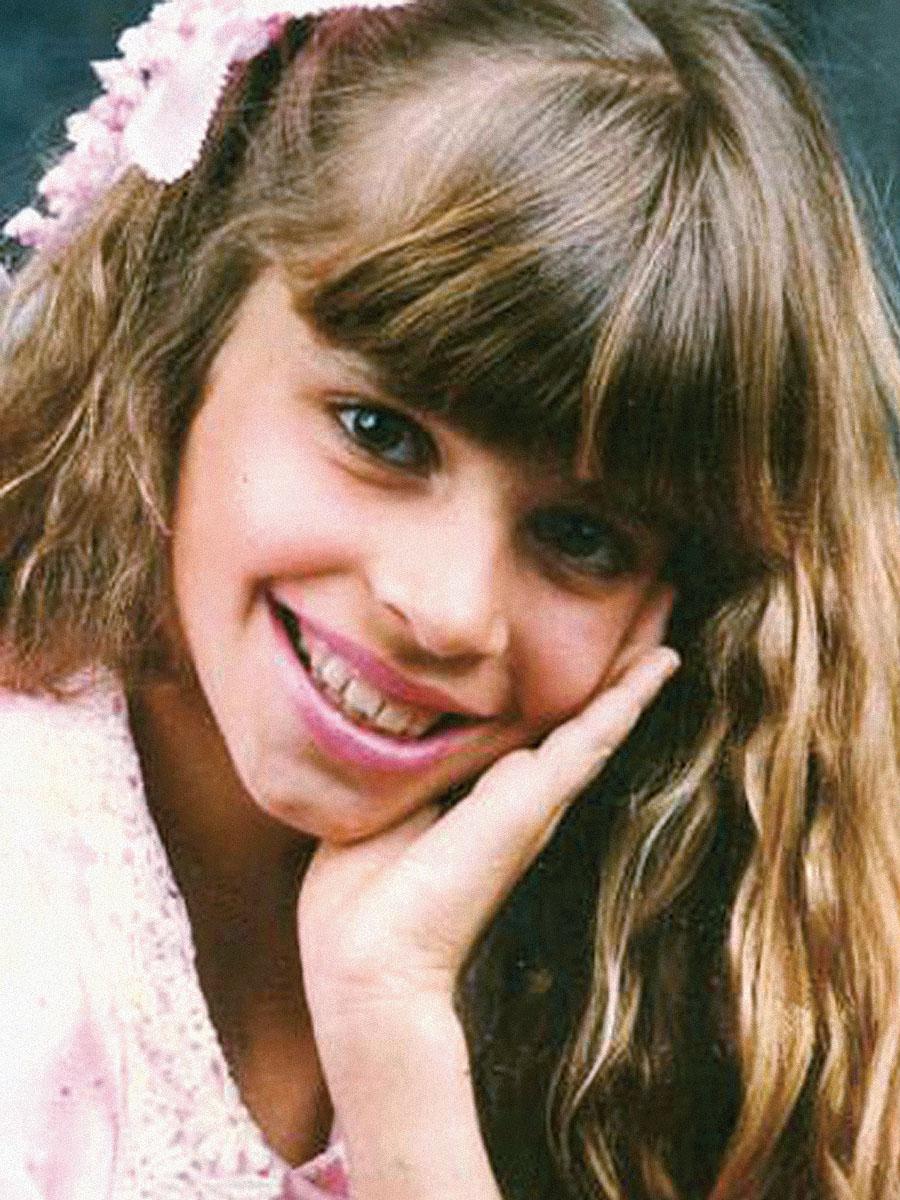 Aos 8 anos em segundo lugar no seu primeiro concurso de beleza