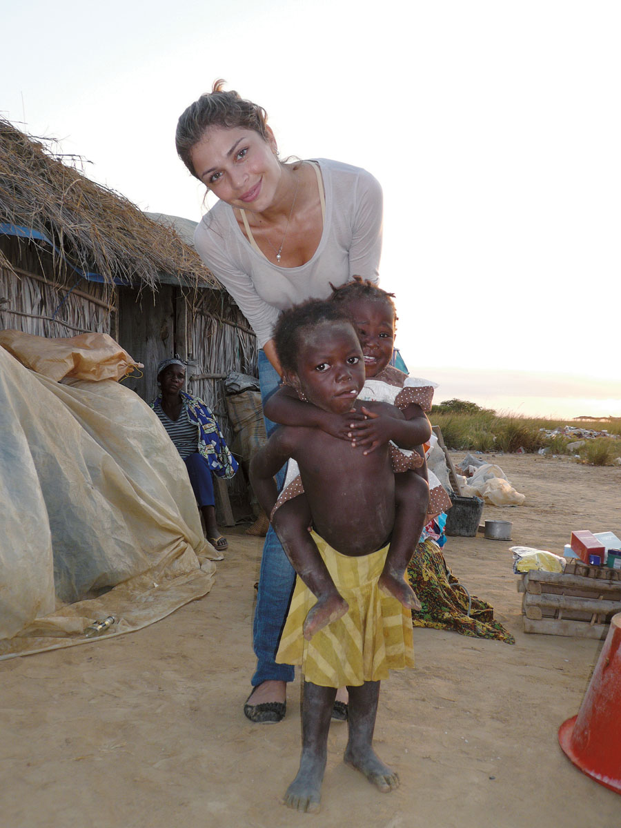 Em 2009, em Angola, para onde foi a convite da Globo, para um jantar beneficente