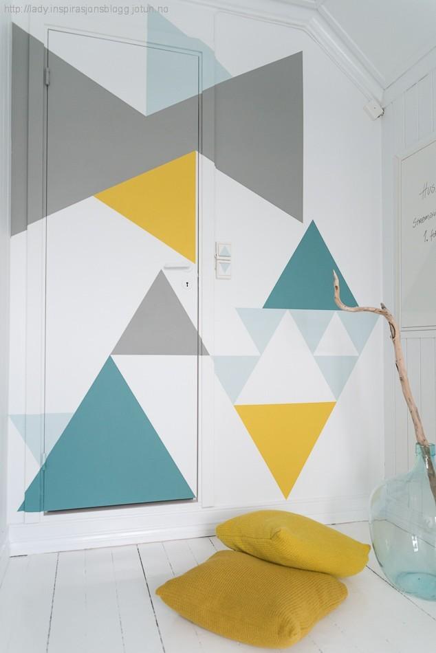 Não quer cor na parede toda? Brinque com formas coloridas