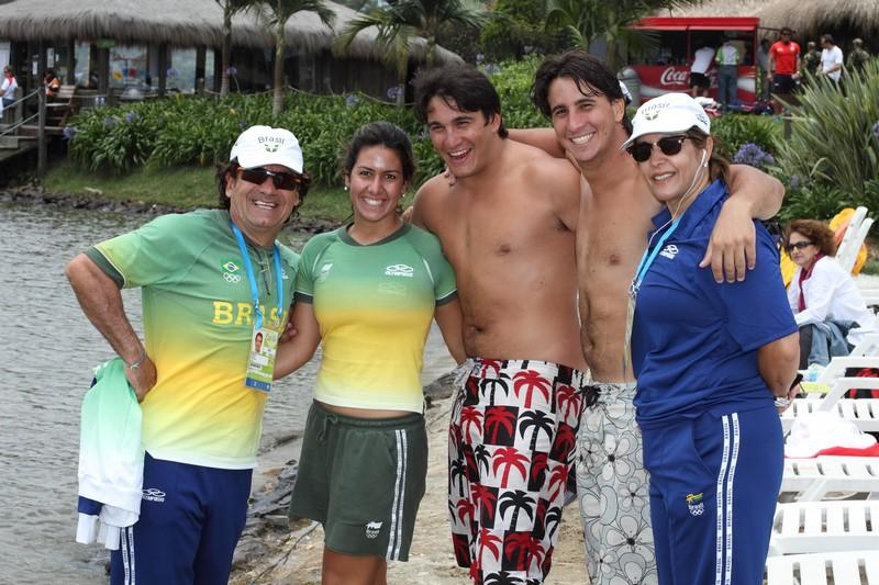 Delegação de ski: Rafael Negrão, Juliana Negrão, Felipe Neves, Caio Neves e Miriam Negrão