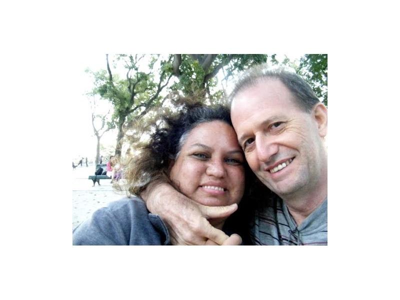 Com o marido Silvio, seu companheiro há 21 anos