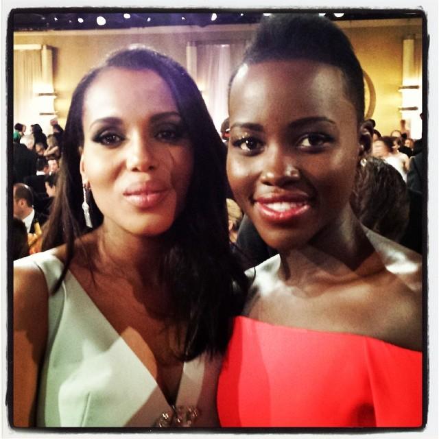 """""""Checklist do Globo de Ouro: conhecer Kerry Washington e fazê-la saber que eu sou uma """"gladiadora"""" - CHECK!""""[referência a série """"Scandal"""", protagonizada pela americana]"""