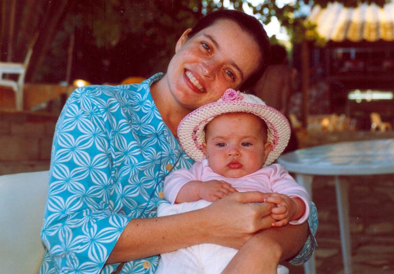 Com a caçula, Isabel, hoje com 2 anos
