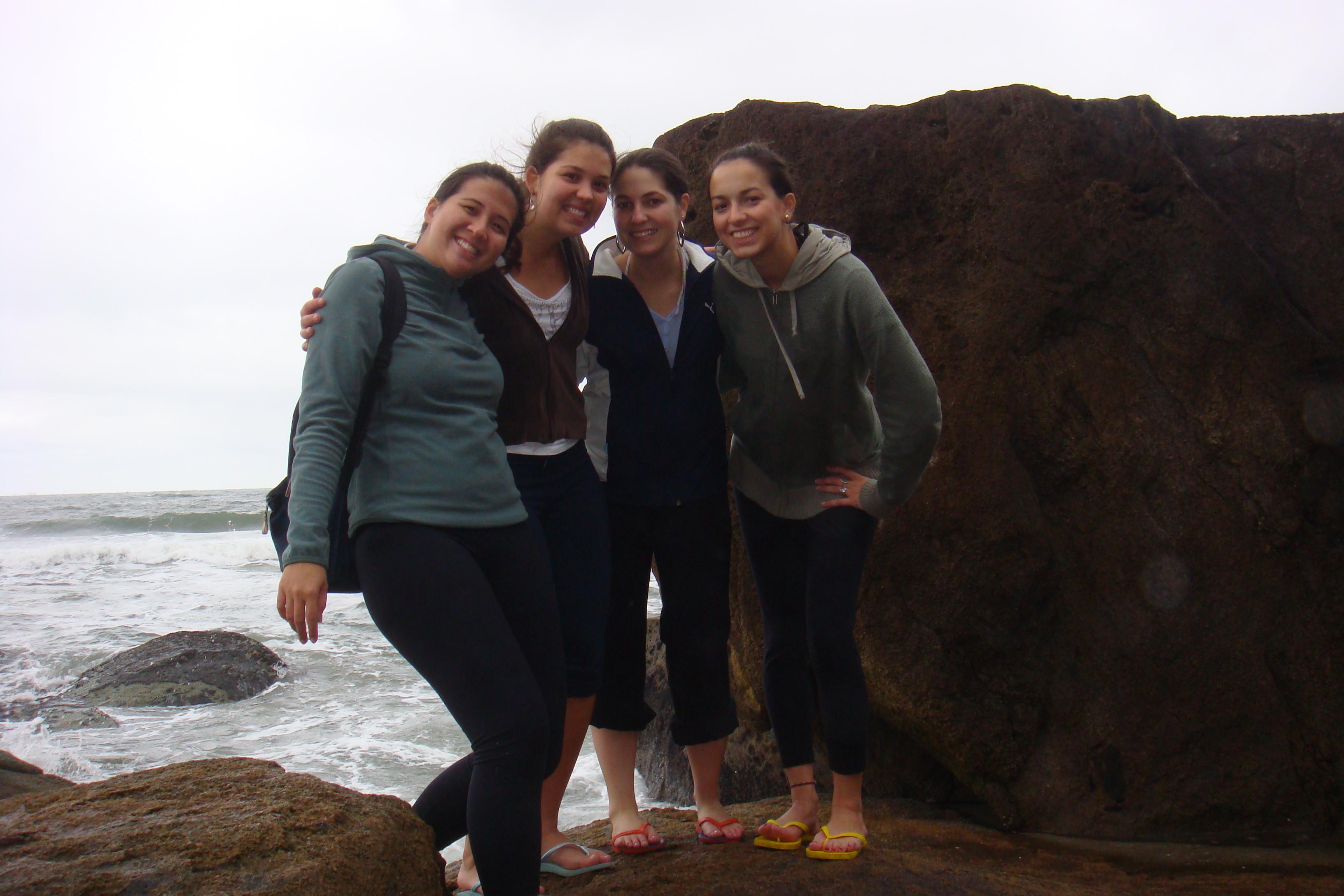 As amigas na Ilha do Mel