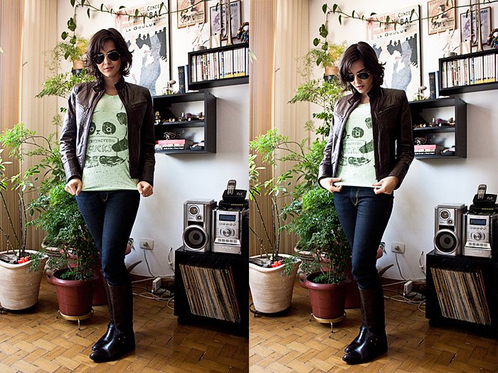 Quinta-feira: Hoje é um dia frio, então nada melhro do que a jaqueta, uma bota de cavalaria e uma camiseta divertida. // Jaqueta de couro da Argentina, bota Ellus, calça Diesel, camiseta Estúdio Emme, óculos Ray-Ban