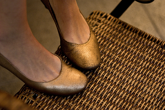 Sexta-feira: A sapatilha dourada da Arezzo