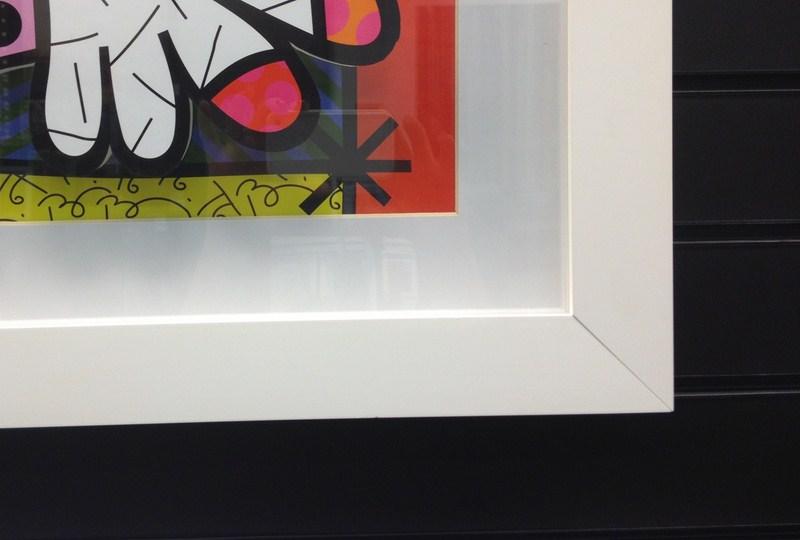 Moldura caixa branca com paspatur tamanho normal branco e montagem da gravura em 3D. Fast Frame (www.fastframe.com.br)
