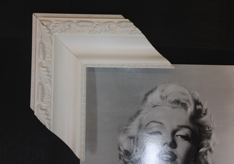 Clássica com entalhes em branco. Fast Frame (www.fastframe.com.br)