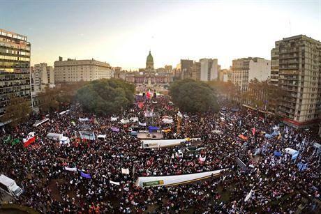 Vista da Praça do Congresso da Nação Argentina