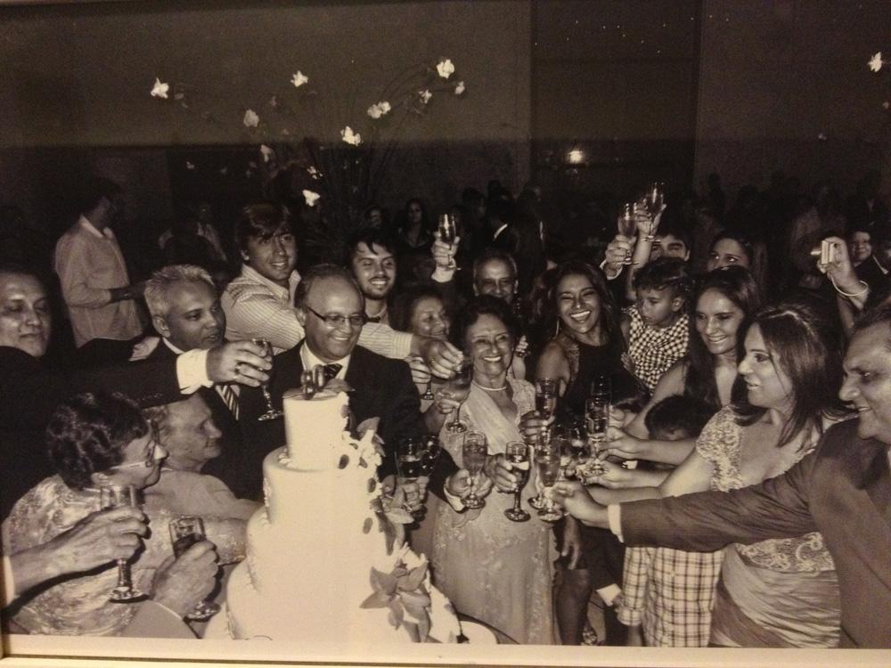 Com a família reunida na comemoração de 80 anos da mãe, dona Flor
