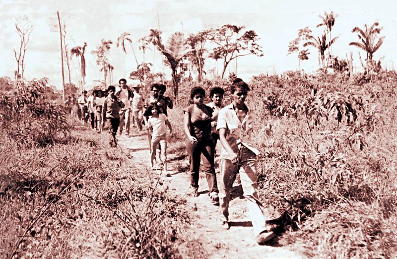 Marina Silva lidera uma marcha de seringueiros no Acre, em 1986