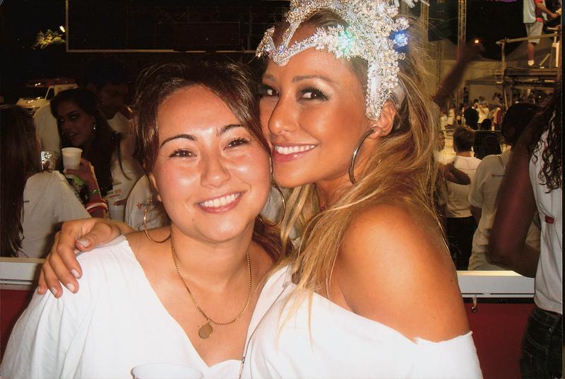 """Com a """"irmãe"""", Karina"""