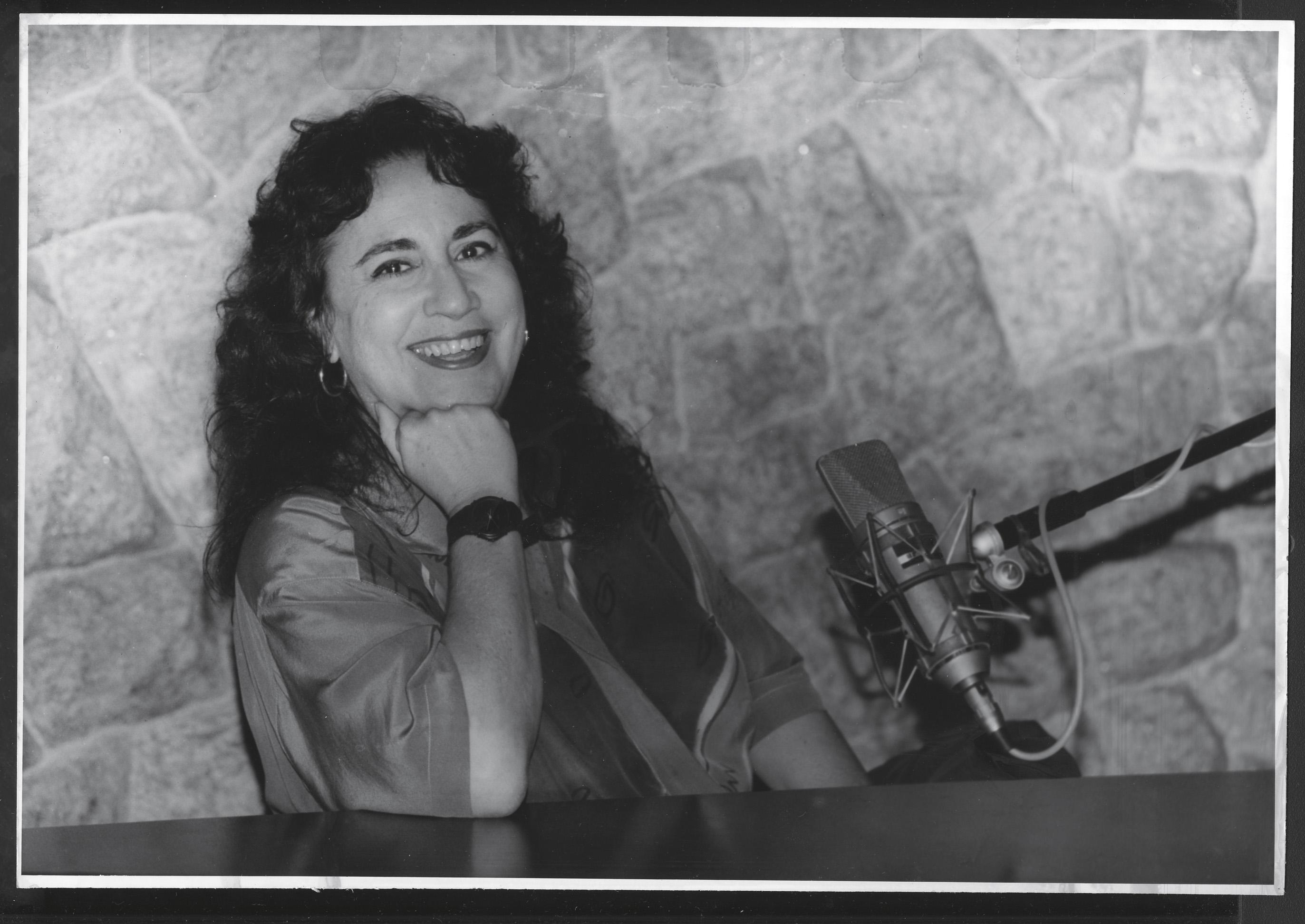 Em 1995, se preparando para entrar no ar na Rádio Cidade, onde apresentava um programa diário sobre sexo
