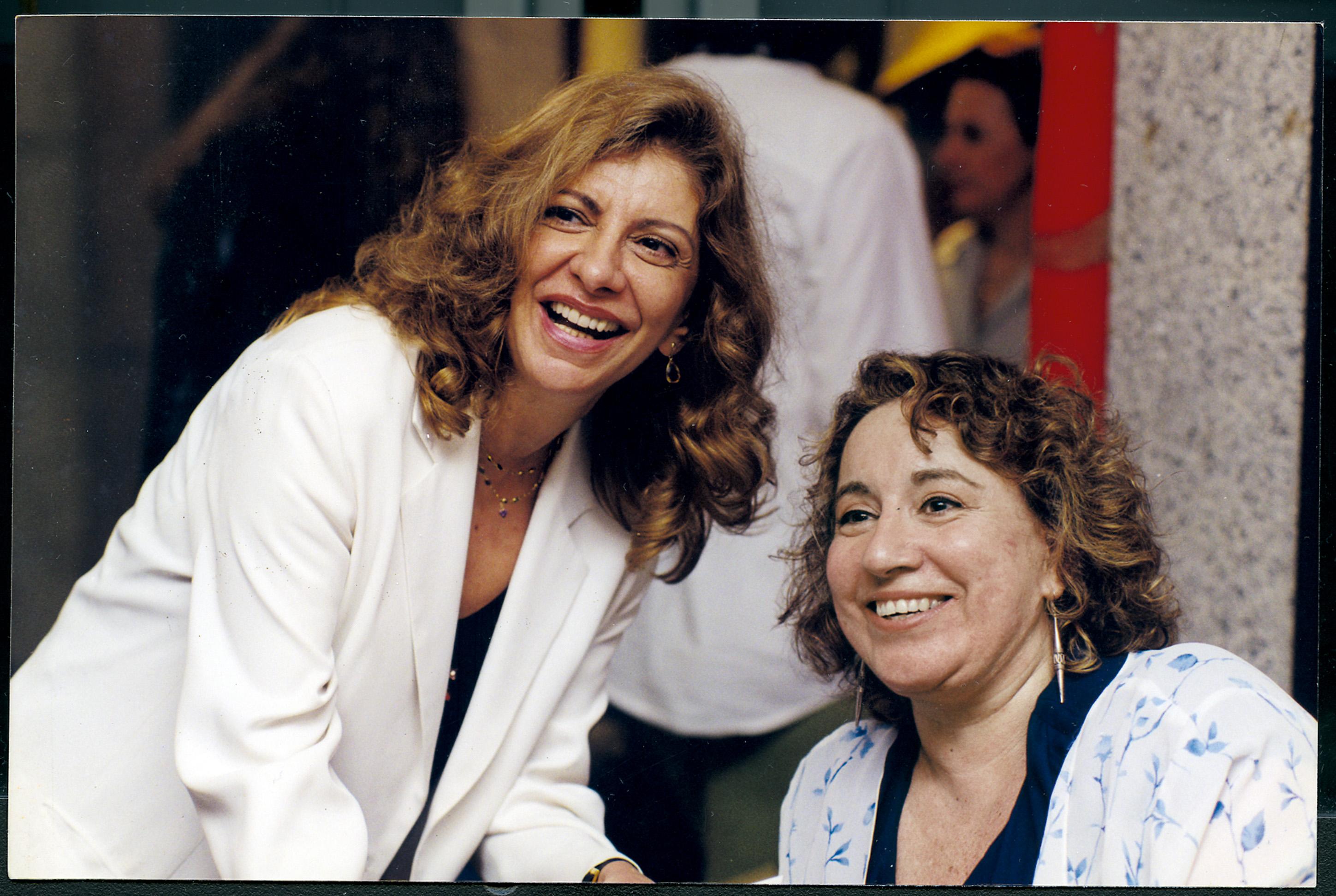 Dois anos depois, com Marília Pêra em mais uma noite de autógrafos da mesma obra