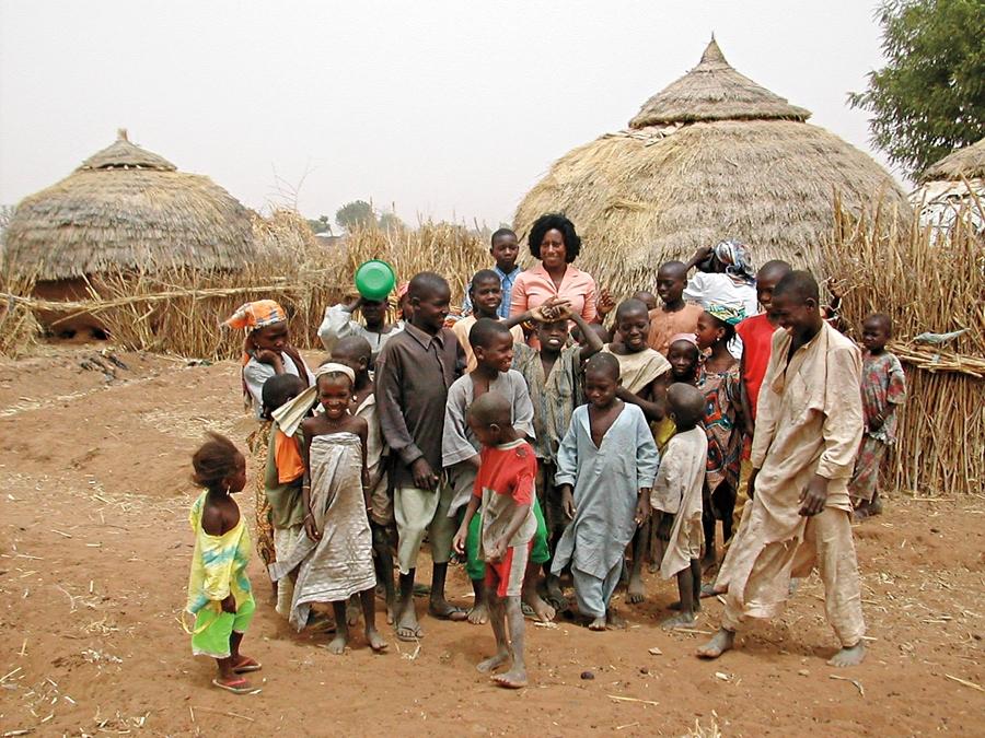 'Fui trabalhar com crianças abandonadas na Nigéria. E vi que precisava fazer algo parecido no Brasil'