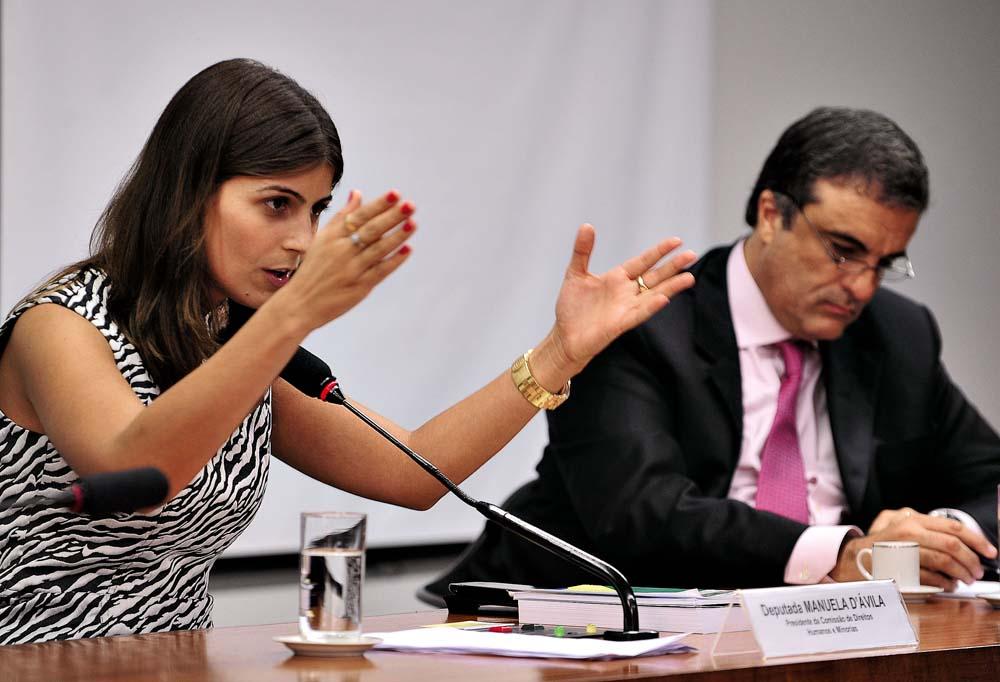 Em 2011, quando namorava o o ministro da Justiça, José Eduardo Cardozo (ao seu lado na foto) e presidia a Comissão de Direitos Humanos