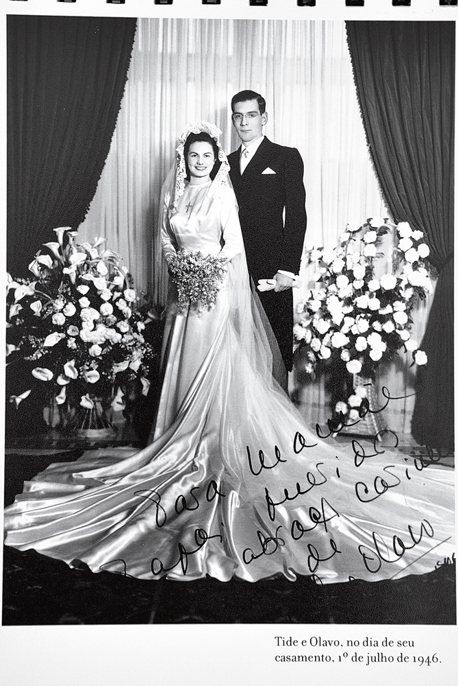 Tide e Olavo, pais de Neca (apelido de Maria Alice desde a infância), no dia em que se casaram, em 1946