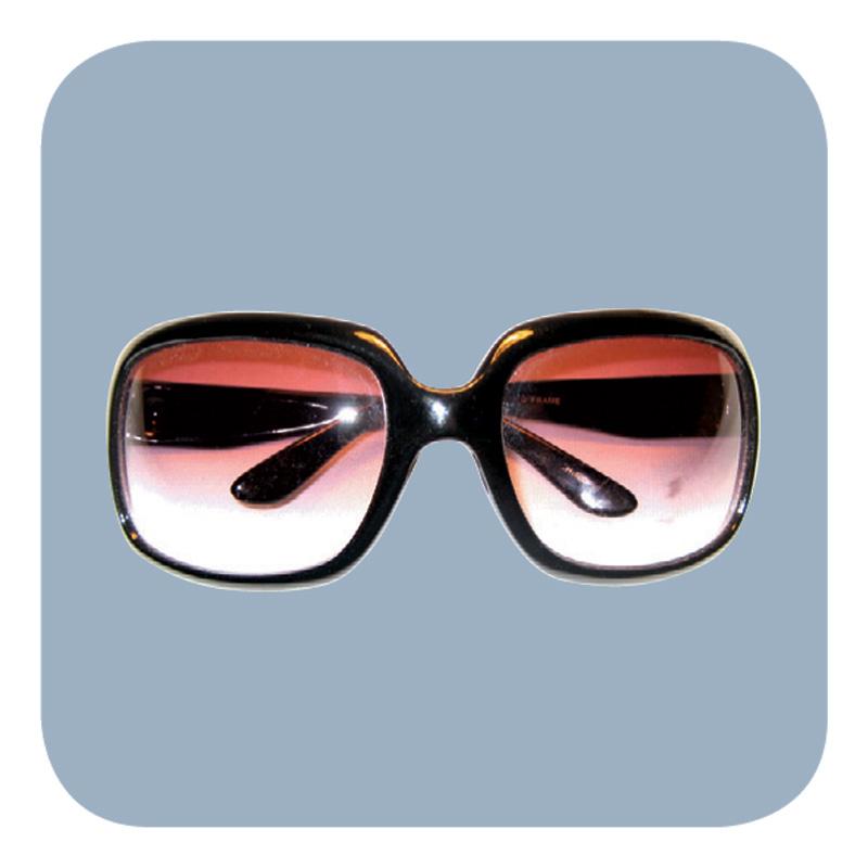 Lá vem ela - Tenho astigmatismo e hipermetropia, coleciono óculos, de grau e de sol (com grau). Uso como acessório, a Marília Gabriela que deu essa dica