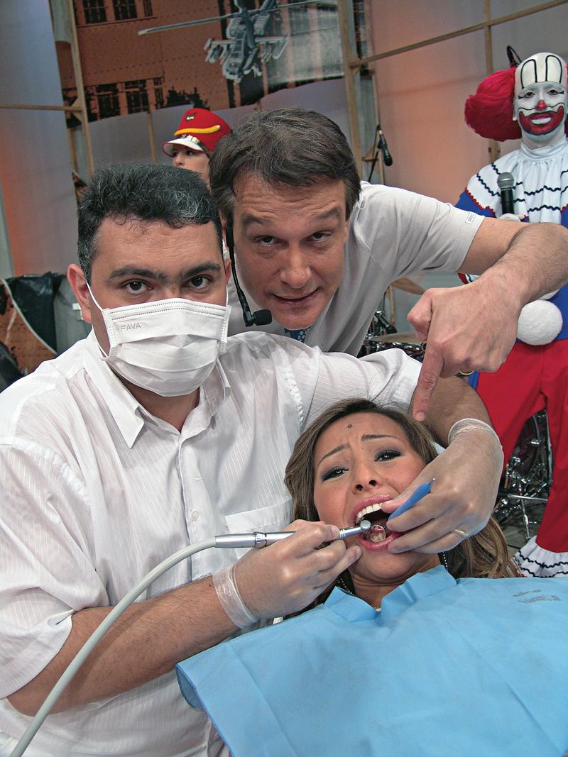 Passando por um tratamento de canal, ao vivo, sem anestesia