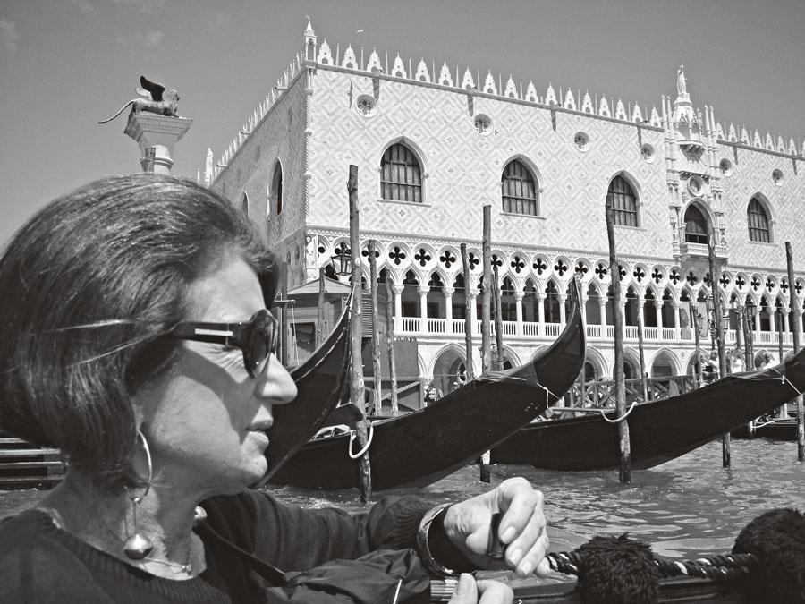 Costanza, aos 66 anos, em Veneza, na Itália