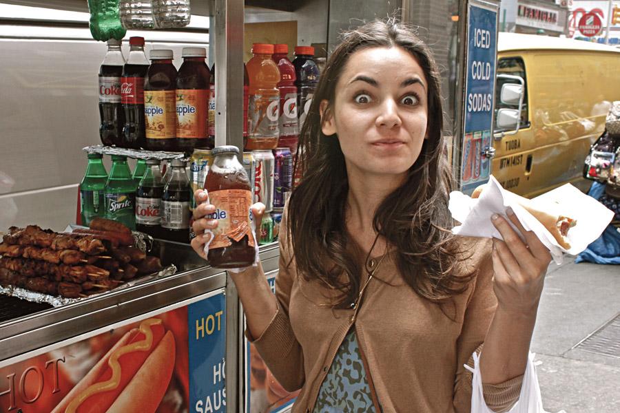 Hot dog . Tem uma barraquinha a cada esquina. Pão, salsicha, mostarda da boa e ketchup! Se quiser algo mais incrementado, vá ao Papaya King (www.papayaking.com), um dos hots mais famosos da city.