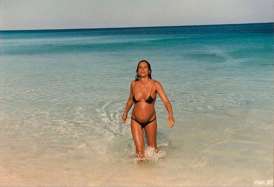 Mariza grávida de Helena, em 1987, em Tulum, no México