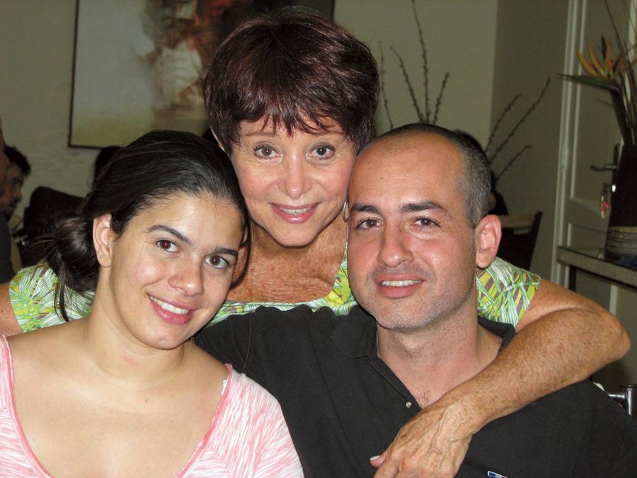 Em seu aniversário deste ano, entre a nora Mariana e Diego