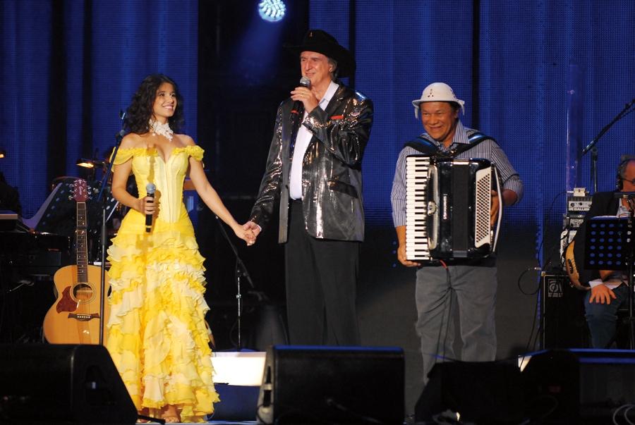 Com Sérgio Reis e Dominguinhos, no programa Emoções Sertanejas, da Globo, ano passado