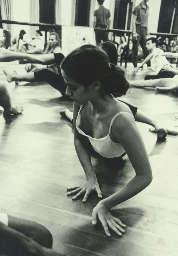 Aos 14 anos, na academia do Ballet Stagium. Além de ter praticado ioga, aikido e kung fu, Mariana dançou balé por dez anos