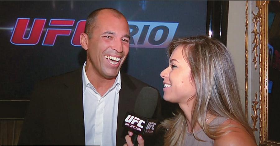 Entrevistando Royce Gracie na coletiva do UFC Rio, em dezembro de 2010