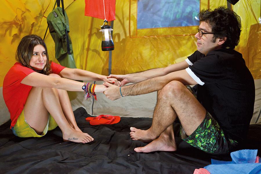 Fernanda e Bruno Mazzeo, protagonistas do longa-metragem Cilada.com, dirigido por José Alvarenga Jr.