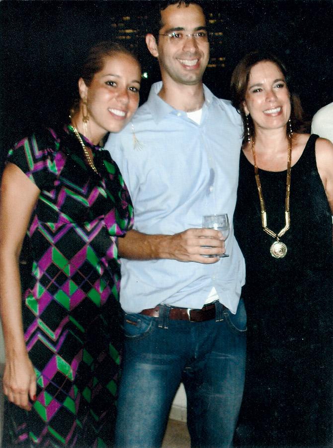 Mary com os filhos Paulo e Isabel