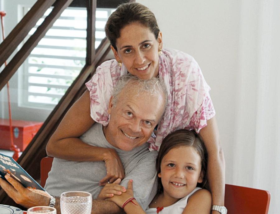 Com a filha mais nova, Maria,  6 anos, na virada deste ano, em Laranjeiras, no Rio