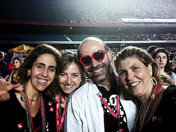 Em 2008,  no show  da Madonna,  em São Paulo, com a amiga Monica,  o irmão mais velho, José Olympio, e a cunhada Andrea
