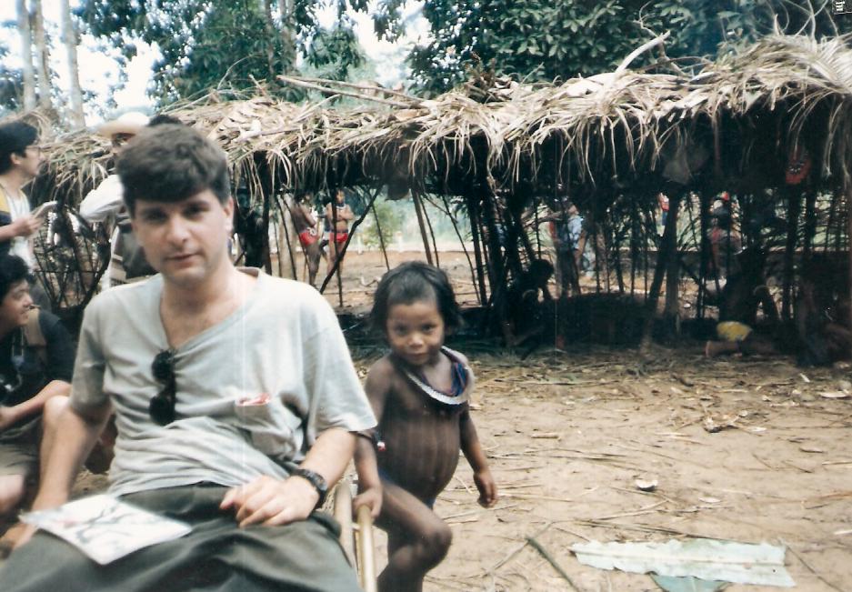 Em reportagem especial para  a Folha de S.Paulo, em 1988, o  escritor ficou  um mês vivendo na tribo Kaiapós