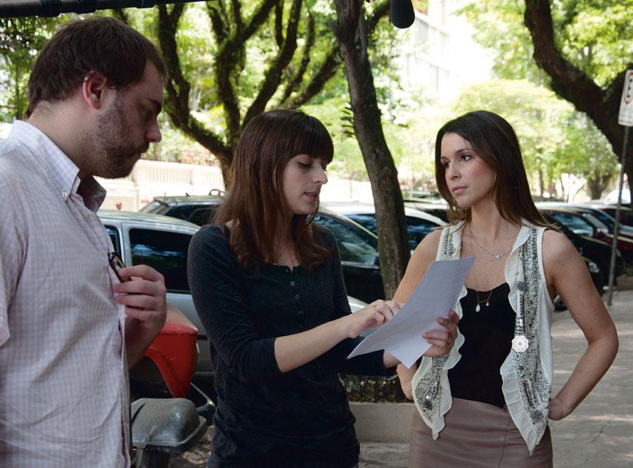 Com Sarah Oliveira, dirigindo o Viva voz, do GNT